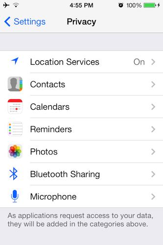 前世代の「iOS 6」が普及した2012年に数多くの論議やデータ漏えいがあった中、Appleはプライバシーを重視した設定項目を設定メニューに数多く追加した。これらの機能は、写真の共有、位置情報設定、どのアプリがデバイスのどの機能(例えばマイク)にアクセスできるかなどに関連している。
