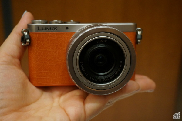 「LUMIX GM(DMC-GM1K)」