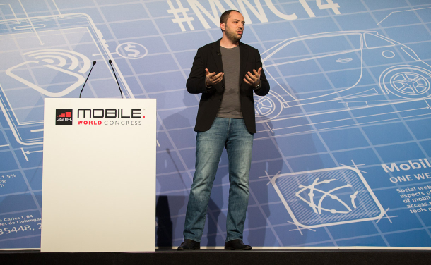 Mobile World Congressで講演をするWhatsAppのCEOであるJan Koum氏