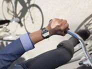「Android Wear」搭載スマートウォッチ--「LG G Watch」と「Moto 360」を写真で見る