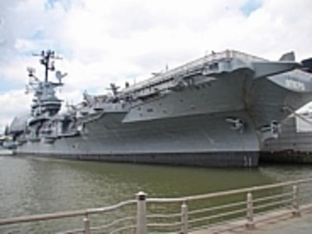 退役空母を利用したイントレピッド海上航空宇宙博物館--艦内や展示の ...