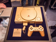 「PlayStation」発売20年で出現の特別ショップ--写真で見るゴールドモデルや思い出の品々