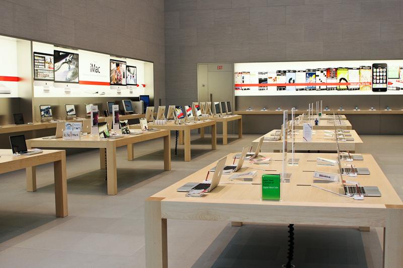 洗練された無駄のないデザインで知られているApple Store