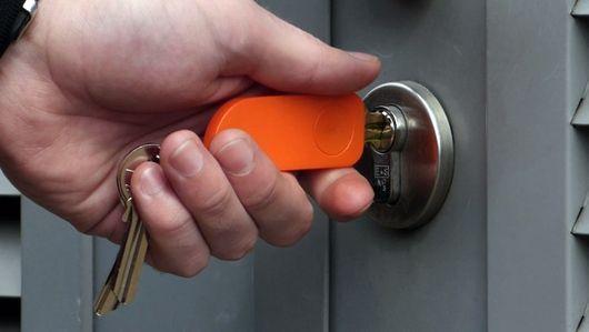 Askey・鍵をかけたかチェックできるキーホルダー。合鍵・スペアキー・ディンプルキーは俺の合鍵へ。