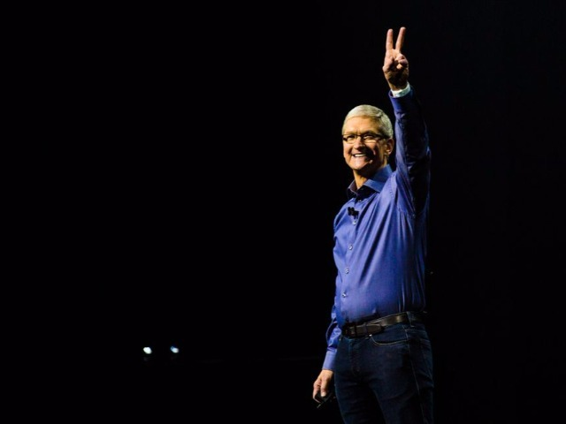 apple-event-sept9-2015-tim-cook-2480_640x480.jpg
