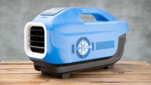 バッテリ駆動のポータブル小型エアコン「zero Breeze」 テントや海辺で涼をとる Cnet Japan