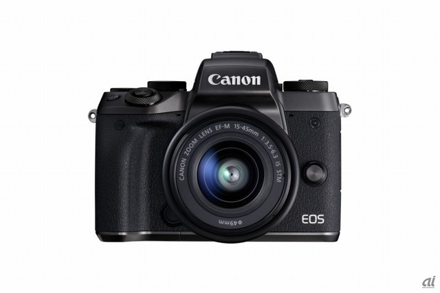 「EOS M5」と「EF-M 15-45mm IS STM」のセット