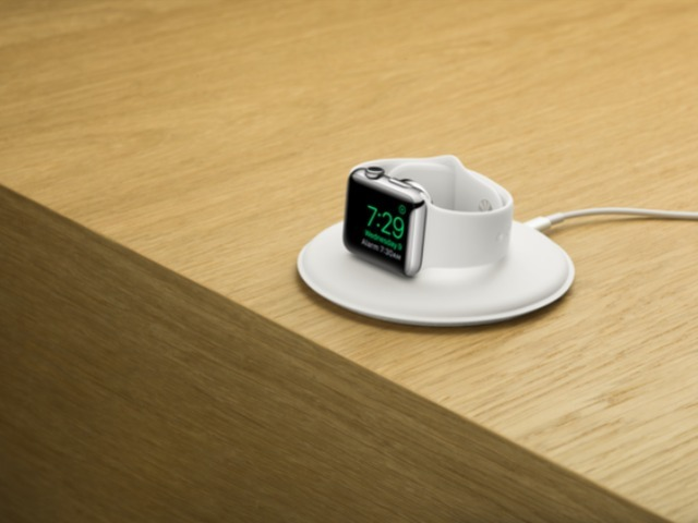 apple-watch-magnetic-charging-dock-onwood-screen_640x480.jpg