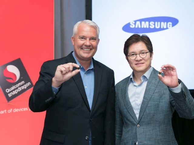 imagekeith-kressin-qualcomm-ben-suh-samsung-with-10nm-snapdragon-835_640x480.jpg