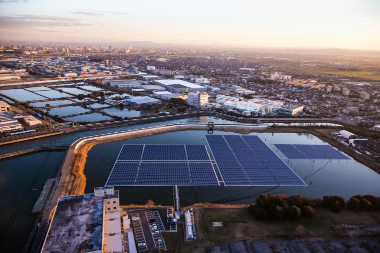 国内最大級の水上太陽光発電システムを導入