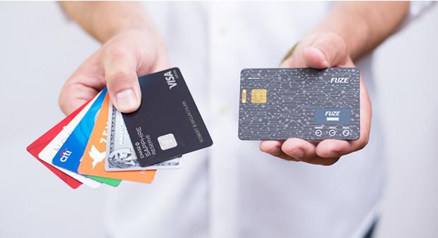 カード30枚を1枚に集約する「Fuze Card」--ICチップ付きクレジットにも ...