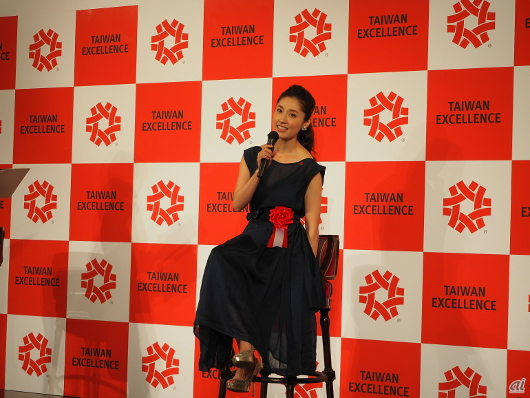 """台湾でも活躍する女優の田中千絵さんが登壇。最近、台湾では「""""文創""""、古きモノを残しながら、新しいものを加えるイノベーションがはやっている」と語った"""