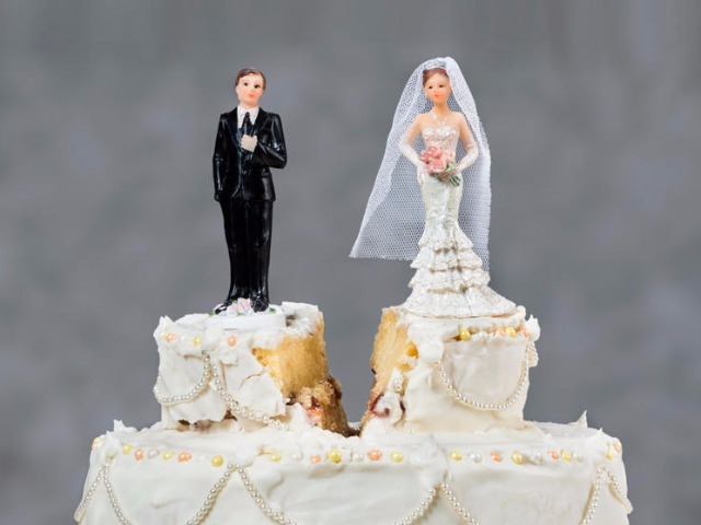 wedding-cake-split_640x480.jpg
