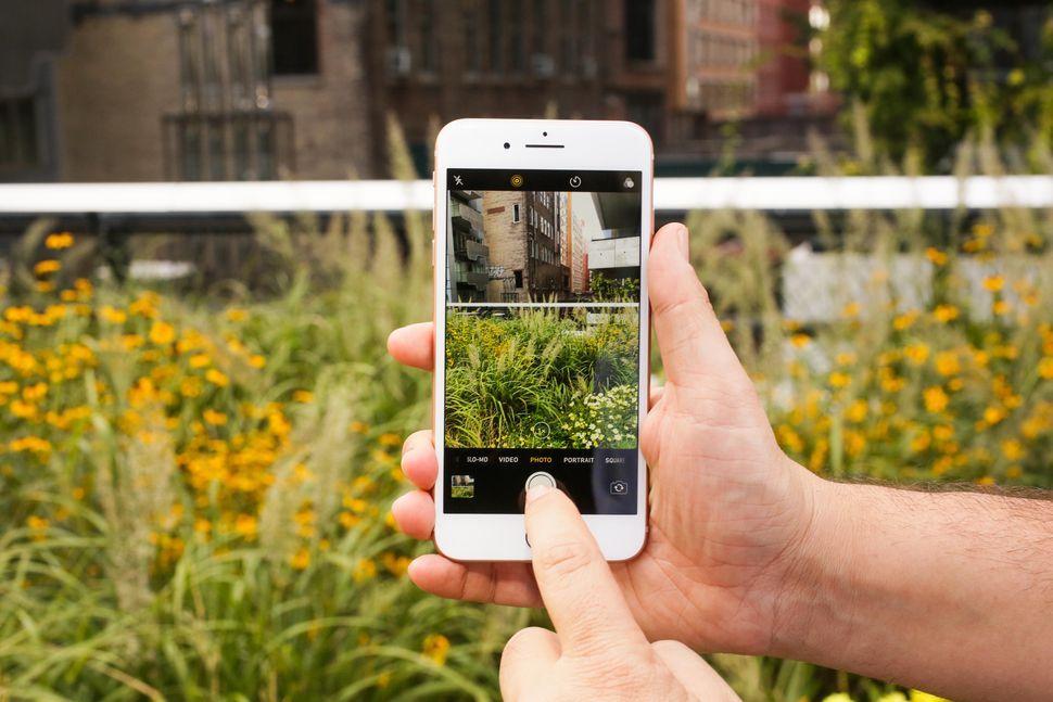 fbaba84194 iPhone 8/8 Plus」で通話中にノイズの不具合、アップルが修正を開発中 ...