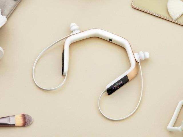 """""""耳""""に装着するスマートスピーカ「Vinci 2.0」--単独で通話もできる無線イヤホン"""