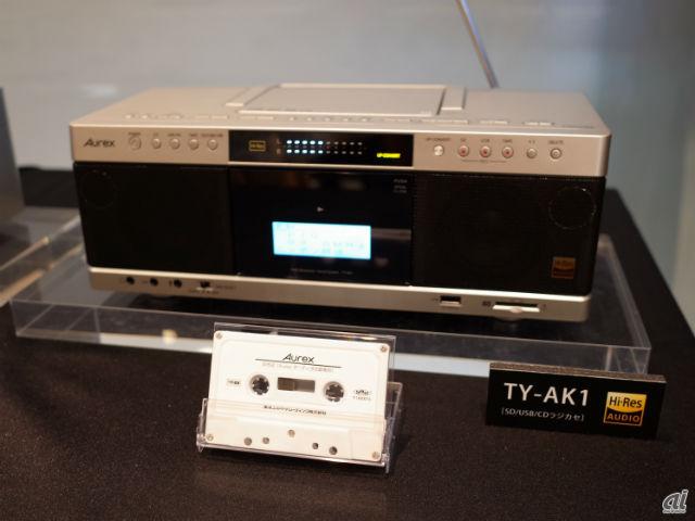 店頭試聴用にUSBによるハイレゾ音源とカセットを用意する