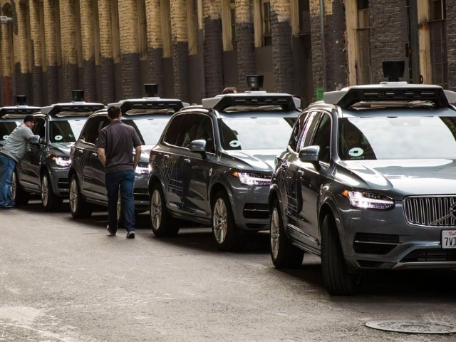 Uberの自動運転車で死亡事故--公道試験を停止