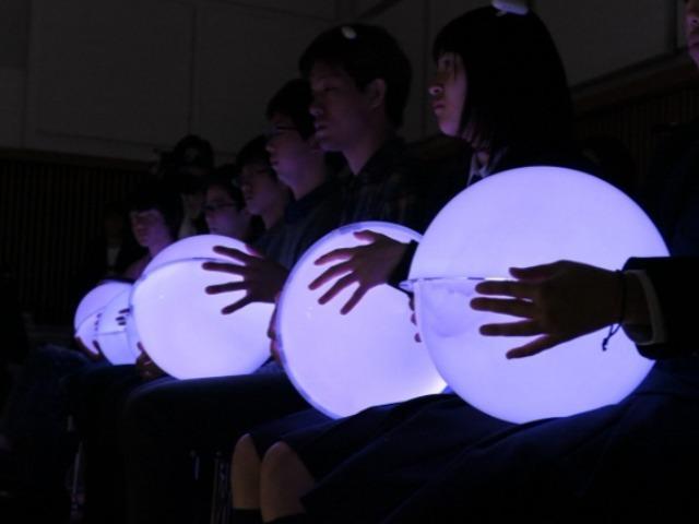 聴覚障がい者にも音楽を--落合陽一×日本フィルが手掛ける「耳で聴かない音楽会」