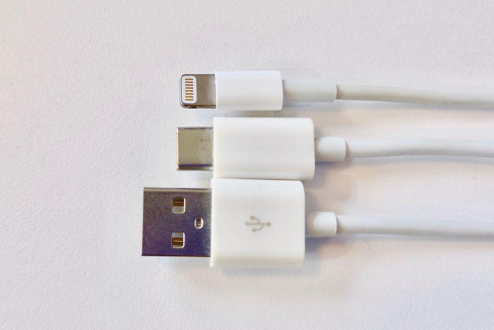 新 iphone にusb cを望む理由とアップルが lightning を捨てられない