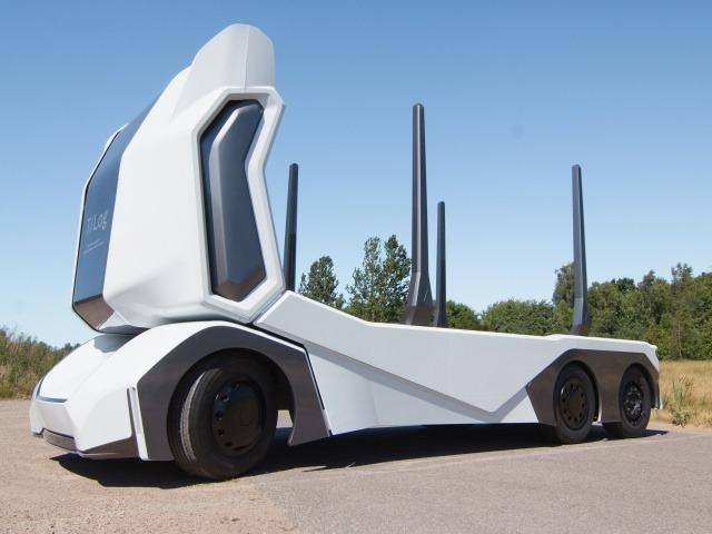 Einride、林業向け木材運搬用の電動自動運転トラック「T-log」--森も走行可能