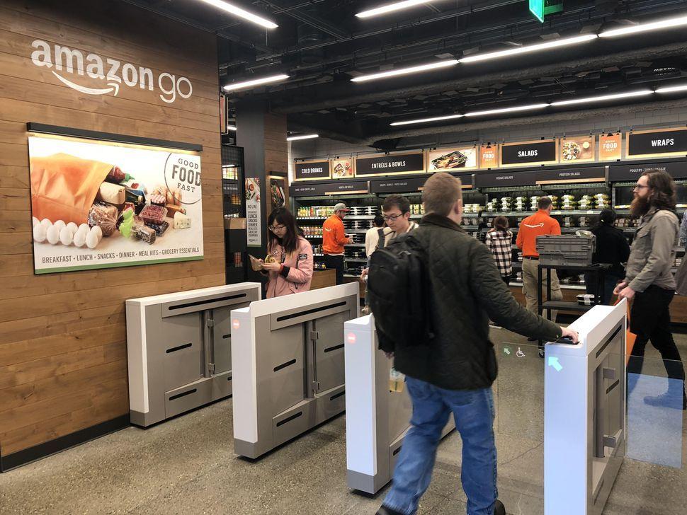 アマゾン、2021年までに3000店舗の「Amazon Go」ストアを開設か - CNET Japan