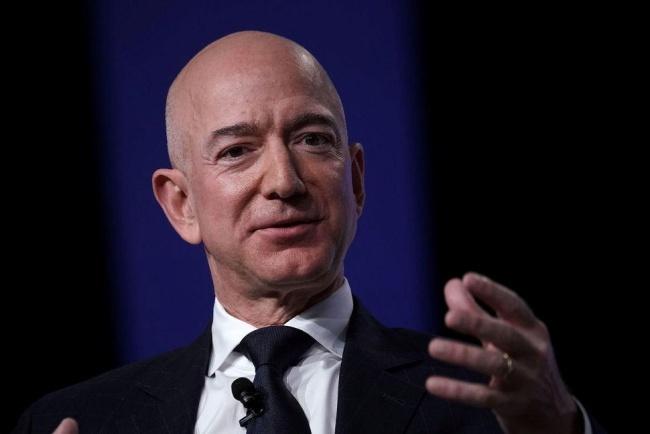 アマゾンのベゾス氏、Forbes誌の米長者番付で首位に--ゲイツ氏を抜く ...