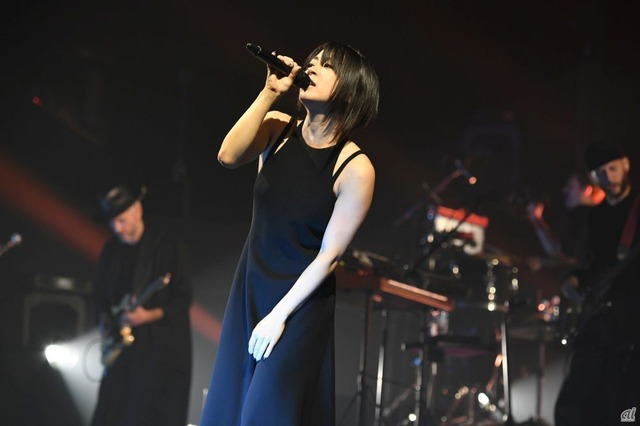宇多田ヒカルさん(Hikaru Utada Laughter in the Dark Tour 2018より)