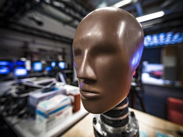 マイクロソフト「HoloLens 2」の開発現場--快適なヘッドセットはどうしてできたか