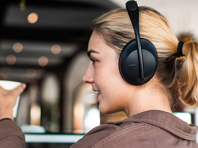 「BOSE NOISE CANCELLING HEADPHONES 700」