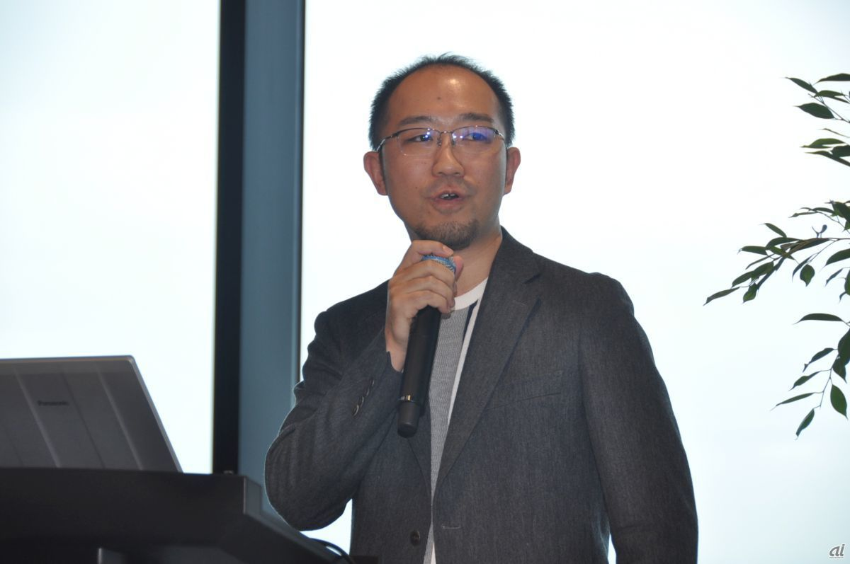 Mr. Hiroyuki Osawa, Director and CFO of Mixi, who was in charge of the relocation, explained the office around. It has been prepared for about two years, including around the contract.