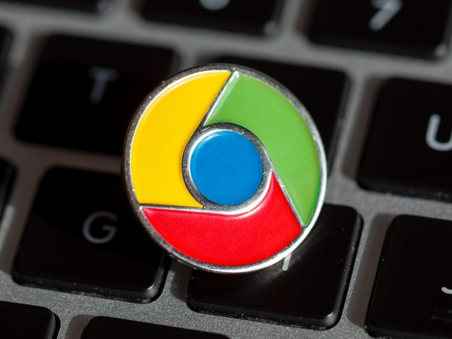Photo of Google suspends Chrome and Chrome OS updates