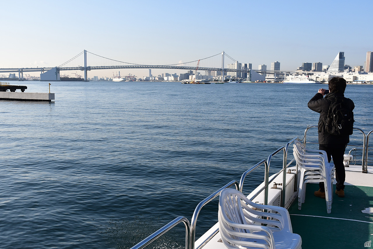 Ship leaving the canal and entering Tokyo Port