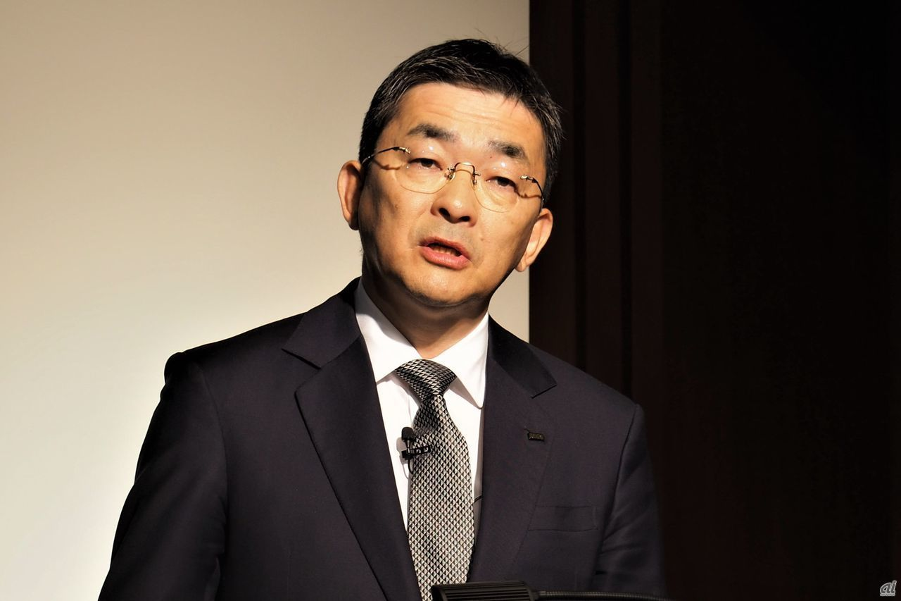 Mr. Takahashi, President and Representative Director of KDDI
