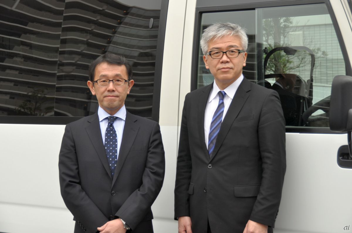 Keiichi Yoshizawa [left], Managing Director, Housing Business Division, Nippon Steel Kowa Real Estate, and Yoshihide Shibao, Vice President and COO, MONET Technologies [right]