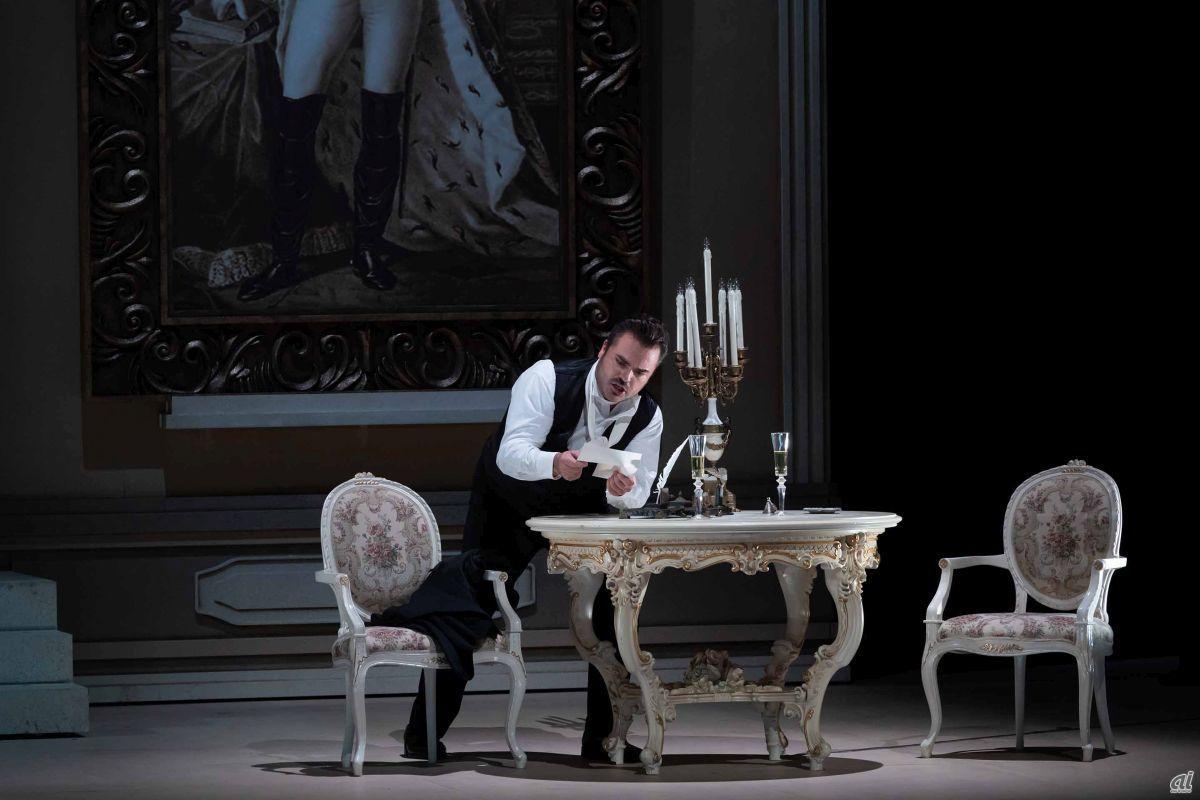 """Opera """"Eugeni Onegin"""" [Photo: Masahiko Terashi]"""