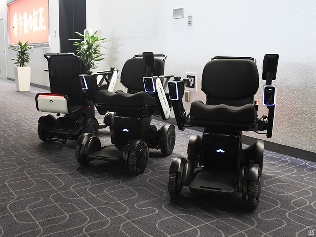Photo of JAL Introduces WHILL Autonomous Wheelchair at Haneda Airport–World's First Service Provision at Airport