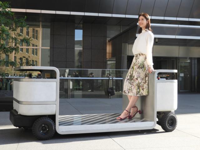 時速5kmの自動走行モビリティ「iino」が本格サービス開始–新しい移動体験を提案