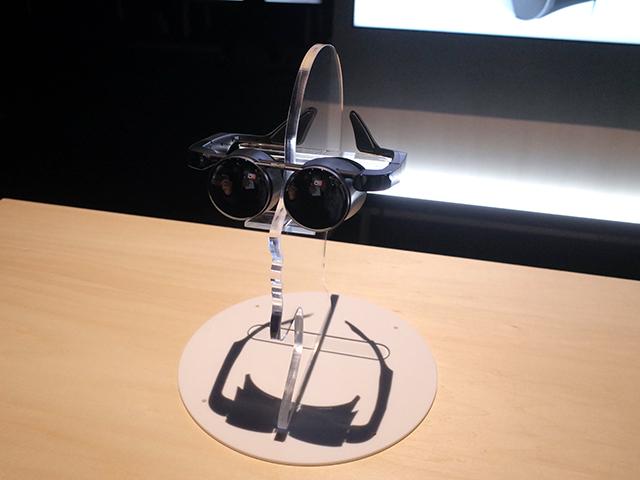 「VRグラス」は、HDR対応の有機ELパネル、テクニクスのデジタルアンプを採用し、小型、軽量、高画質を実現する