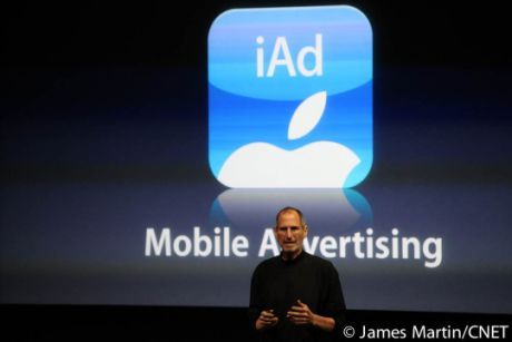 iAdを発表するSteve Jobs氏