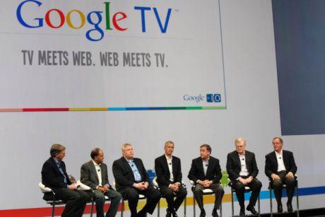 テクノロジ業界の最高経営責任者(CEO)が6人同時に同じ場所に現れるということはあまりない。現在支配的な検索企業であるGoogleは、消費者向け電子機器においても影響力を有している。