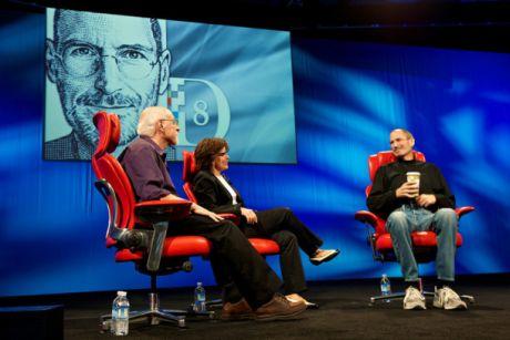 Appleの最高経営責任者(CEO)のSteve Jobs氏は、D8の司会者のWalt Mossberg氏とKara Swisher氏との長いインタビューで、くつろいだ様子を見せた。