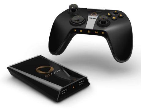 OnLiveのシステムは、小型のプラグインデバイスを介して直接テレビにゲームをストリーミングすることもでき、プレーヤーはカスタムワイヤレスコントローラやVoIPヘッドセットを一緒に使える。