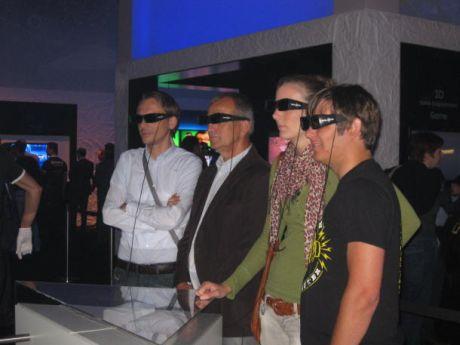 人々は、メーカーが考えるほど、家庭で3D映像を見たいと思っているのだろうか。ともかく、このIFA来場者たちは興味を持っているようだ。