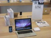 どうすればAppleは、スマートフォンとノートブックの中間に位置するデバイスが必要だと人々に納得させられるだろうか。